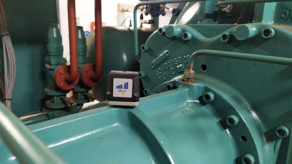 Vibration sensor on pump
